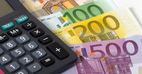 Geldbiljetten met rekenmachine